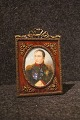 Small miniature 