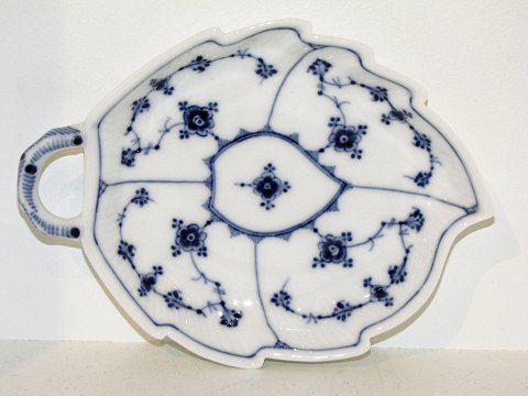 Blue Fluted Plain Small cake dish from 1898-1923