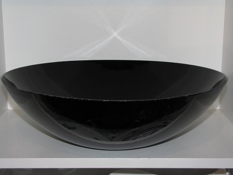 Krenit Very large and rare black enamel bowl from the 1950'es