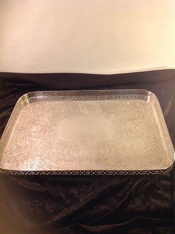 English tray. Length: 35.5 cm. Width: 25.5 cm. Height of edge. 2 cm. Banks Ellis made in England. Contact. Telephone 0045 86983424 Mobile 0045 25460270