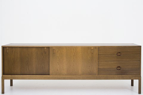 Erik Wørts / Wørts Møbelsnedkeri Sideboard in dark oak. 1 pcs. in stock. Good condition. Location: Roxy Klassik Showroom - Jorisvej 11, 2300 KBH. S.