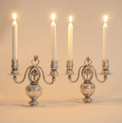 Georg Jensen: A pair of candelabra #324, Sterlingsilver. Made in the period 1945-51. H: 21cm. W: 2.460gr