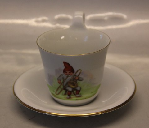 Christmas B&G Porcelain 486-3604 B&G with trombone on cup with high handle Pixie 9 cm & saucer 15.5 cm