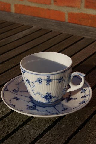 Blue Fluted Plain, setting large coffee cup No 79