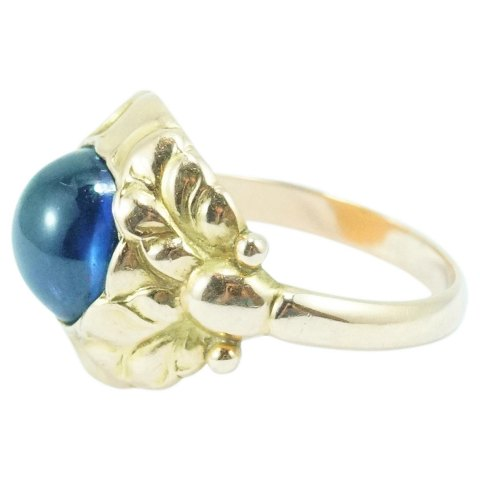 Georg Jensen; Ring of 14k gold, set with a sapphire #111B