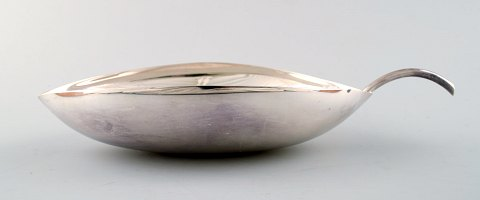 Art deco Bowl of plated silver designed by Lino Sabattini for Christofle.