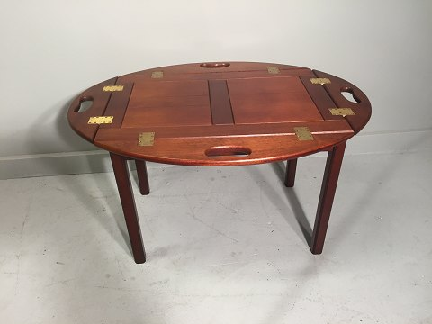 Butler table in Mahogny.
