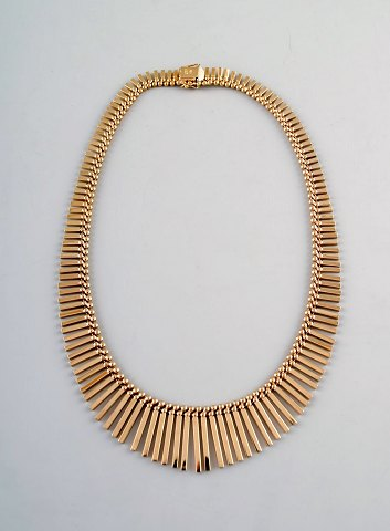 Jos Kahn, modern danish design necklace of 14k gold. Ca. 1970s.