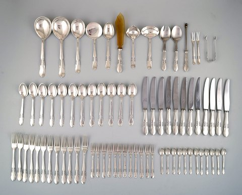 Large and complete Danish silver (.830) dinner service for 12 p. Stamped: CFH: Christian Fr. Heise. 1910/20 s.