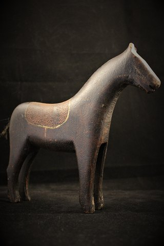 Decorative, small Swedish 1800th century horse .n carved wood with old original paint . 20x24cm.