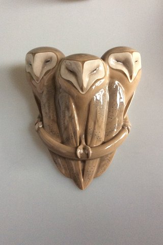 Royal Copenhagen Art Nouveau Wall pocket vase with 3 owls no 274. Measures 25,5cm and is in perfect condition. Designed by Christian Thomsen/Arnold Krog.
