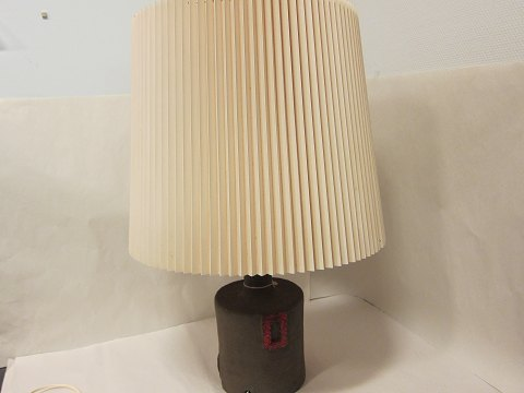 Table lamp, - retro Table lamp, pottery with red squares The price includes the big shade H: Please look at the Photos