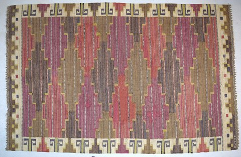 "Märta Måås-Fjetterström, Sweden b. 1873, d. 1941 Large handwoven carpet, wool, ""rölakan"" technique."
