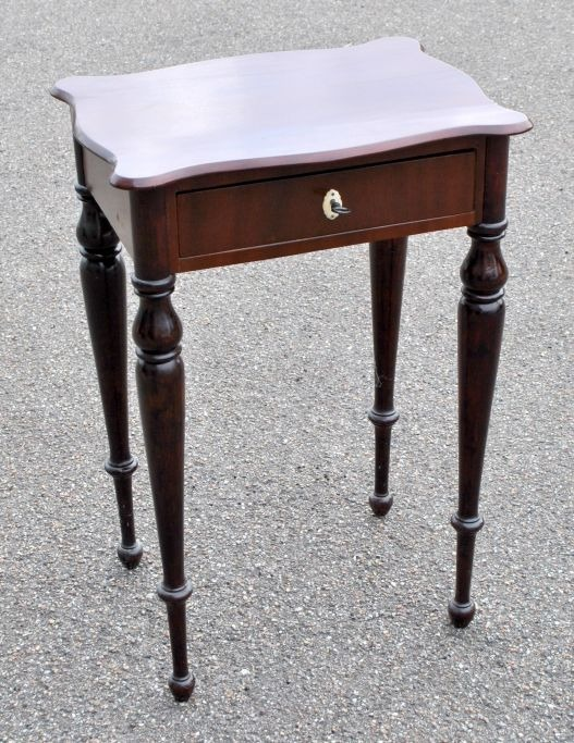 Danish sewing table in polished mahogany, 19th century.