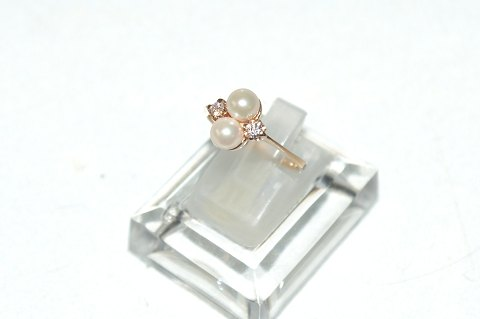 Women's Gold Ring with 14 Carat Beads