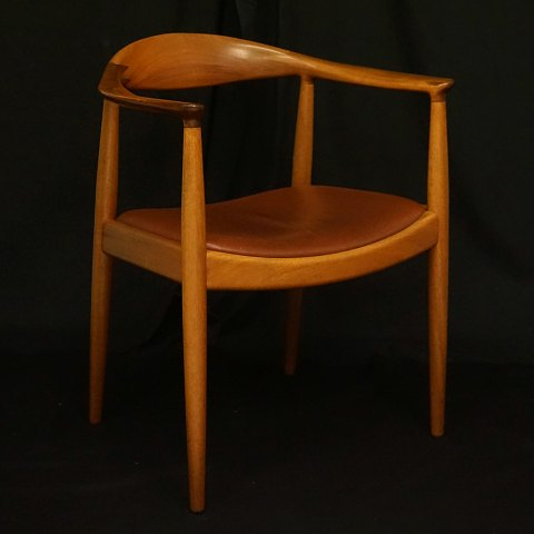 "Hans J. Wegner, Denmark: ""The Chair"" in mahogany. PP 503. Produced by PP Møbler, Denmark"