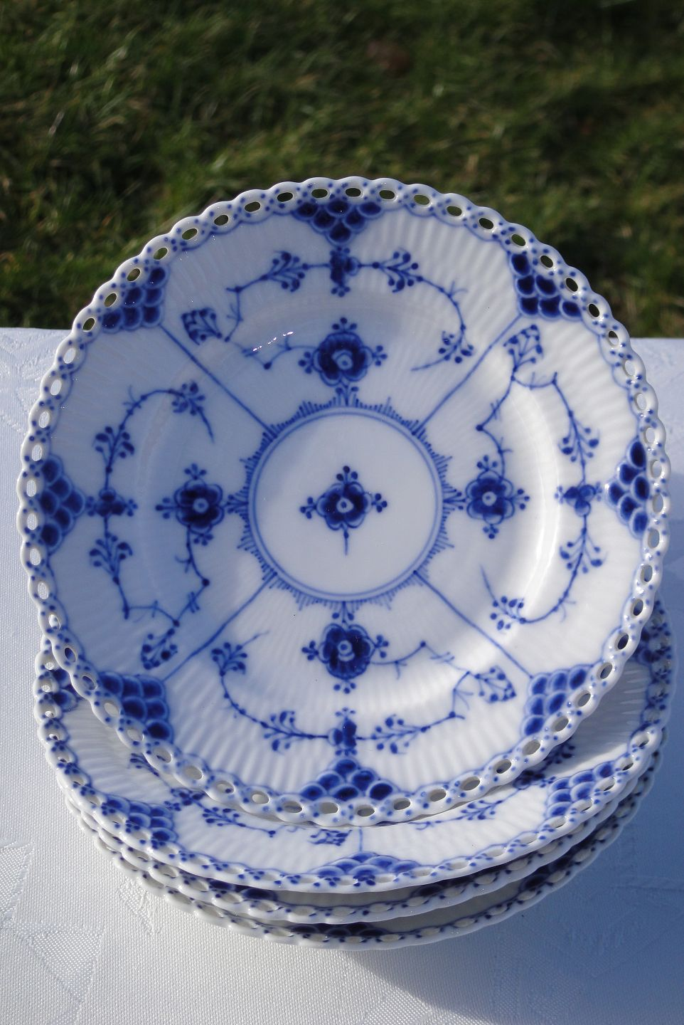 WorldAntique.net - Royal Copenhagen Blue fluted full lace Old ...