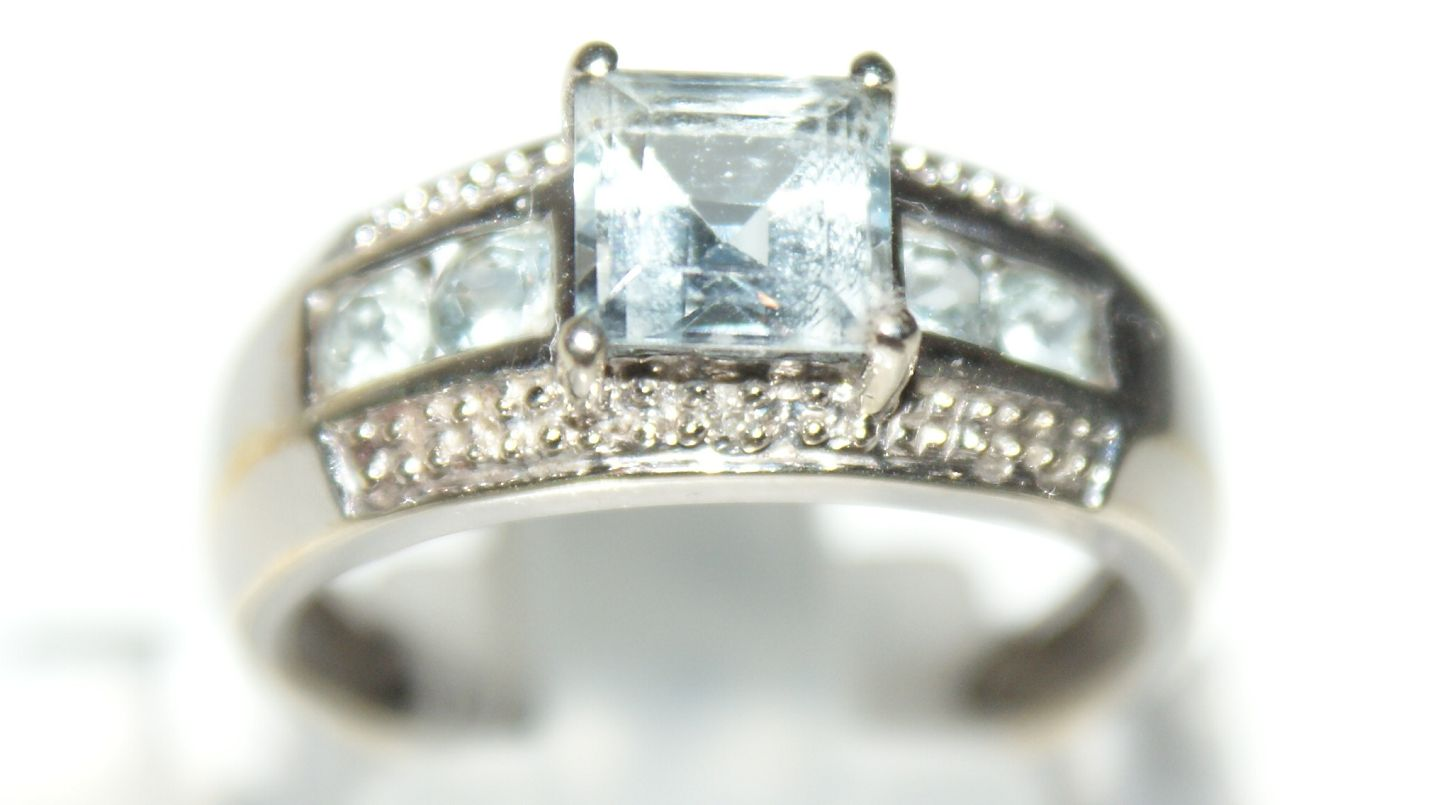 White Gold Ring with Diamonds 9 Carat