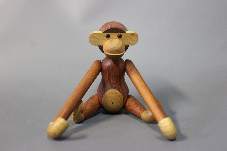 The Small Kay Bojesen Monkey 5000m2 Showroom
