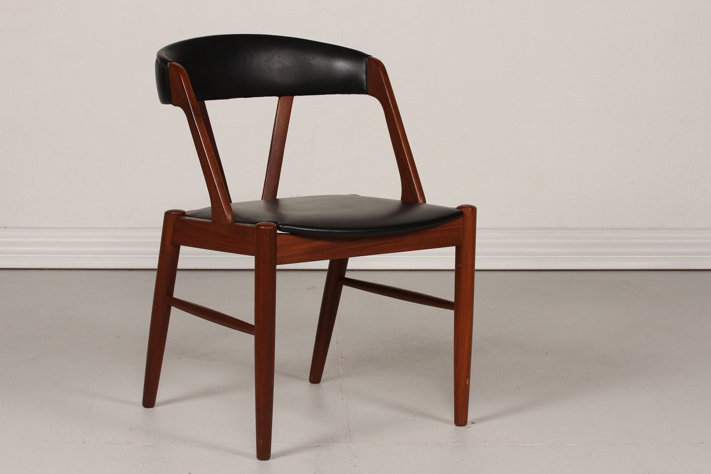 Danish Modern Chair Of Teak With Skai
