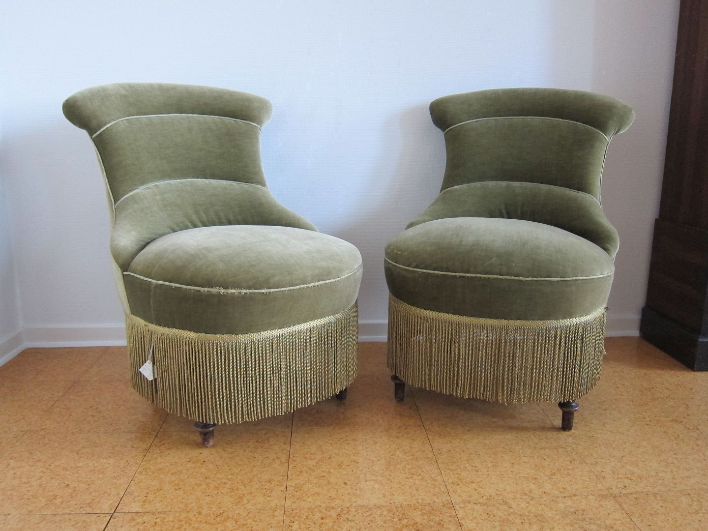 Exceptional Easy Chair. A Pair Of 2 Old, And Small Easy Chairs. Both In A Good  Condition. The Price Is For Both Chairs As A Set